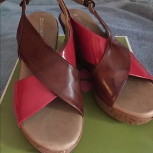 Naturalizer Coral and brown 8.5 sandals brand new